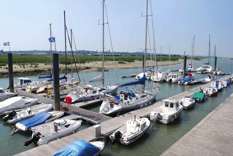 Le port d'Etaples, blotti dans l'estuaire de la Canche, respire la nature et la tranquillité.