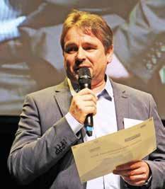 Hervé Diers a tenu à remercier ses collaborateurs, sa famille et Bernard Debaecker, maire d'Hazebrouck.