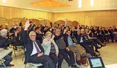 Vote à main levée lors de l'élection du président de SOFIE, Daniel Pecqueur, élu à l'unanimité.