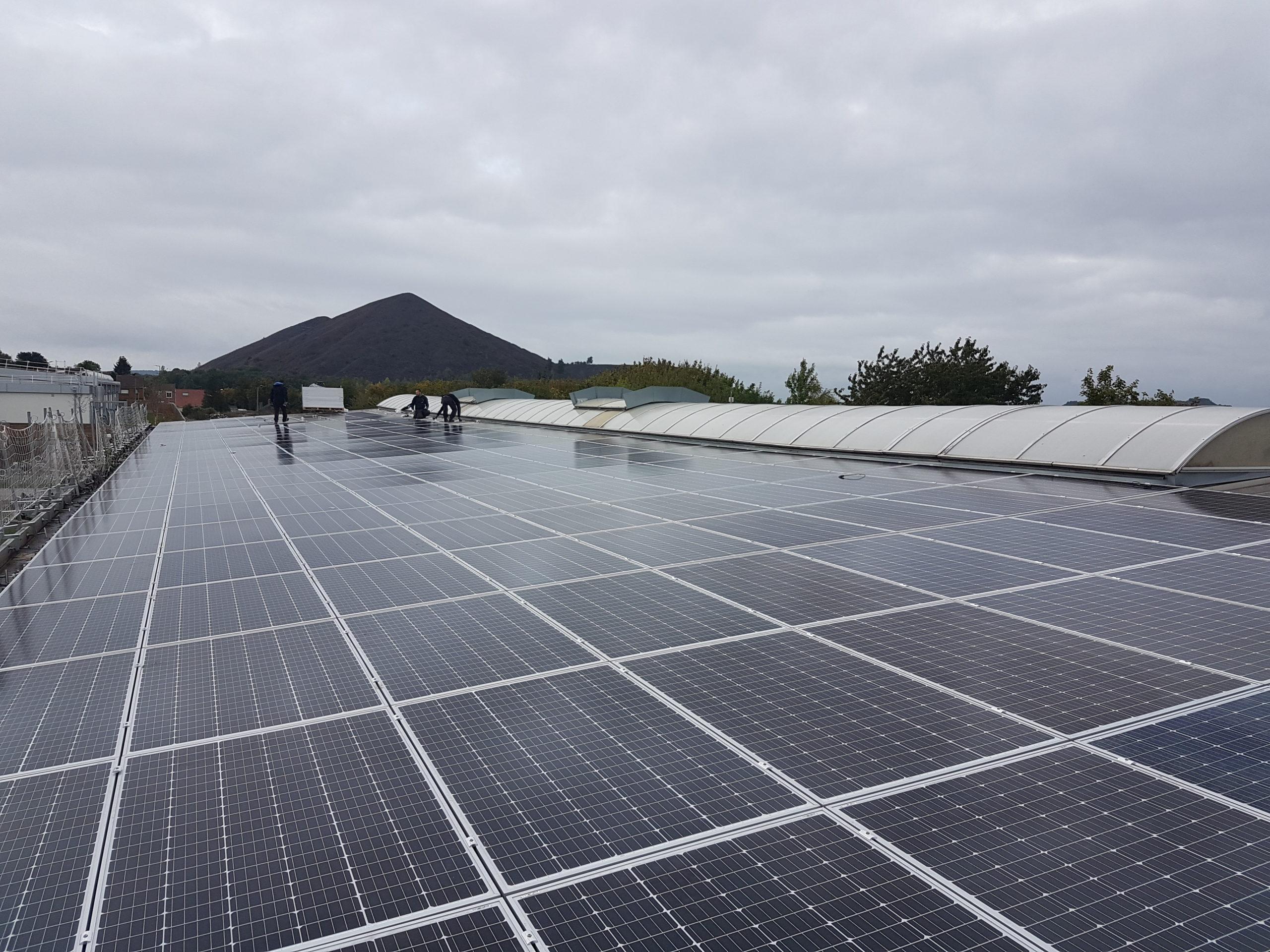 Centre technique municipal de Loos-en-Gohelle équipé de panneaux solaires