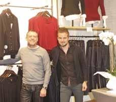 Didier Guerville et son beau-fils dans leur boutique Mexx à Dunkerque.